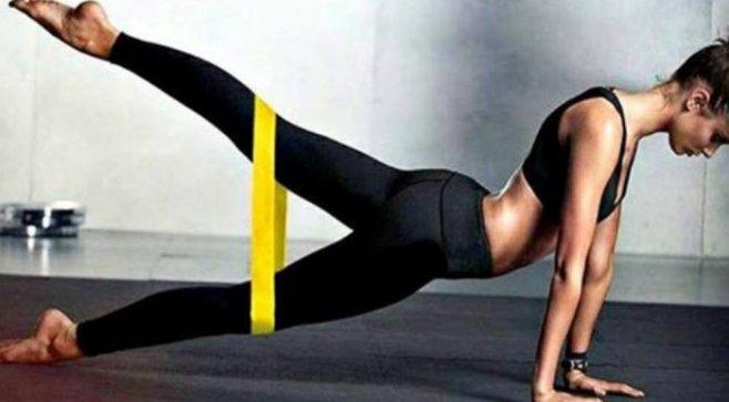 Эффективные упражнения  с фитнес-резинкой