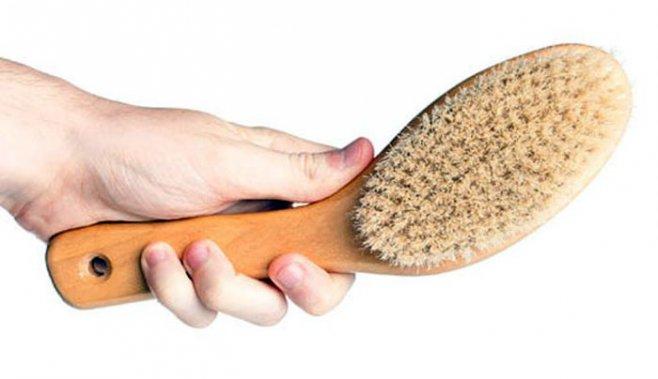Щетка и массаж головы