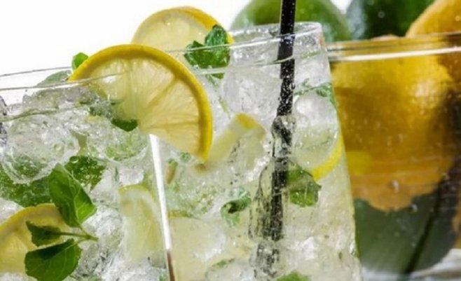 Домашний лимонад, рецепт с ягодным льдом