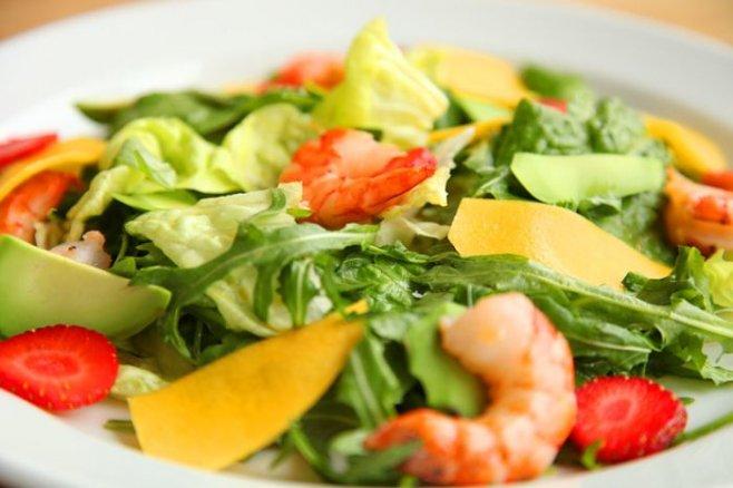 Австралийский салат с манго