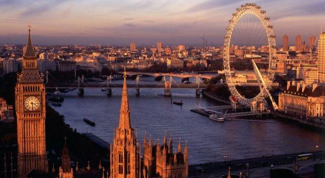 Великобритания: Государственное устройство, исторические факты, отдых и музеи