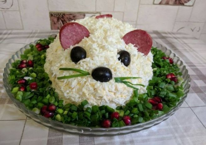 """Новогодний салат """"Мышка"""""""