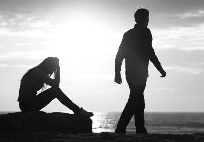 Чем женщина отталкивает мужчину