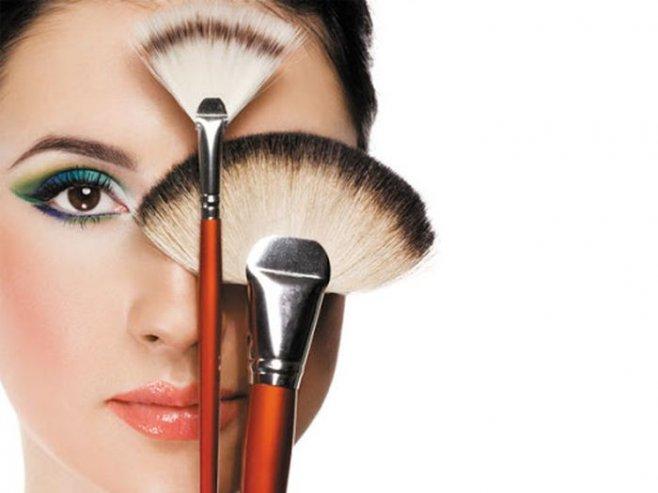 Учимся создавать  антивозрастной макияж