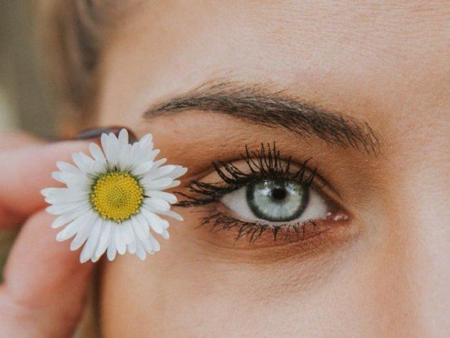Макияж для голубых глаз - подчеркиваем обаяние и привлекательность